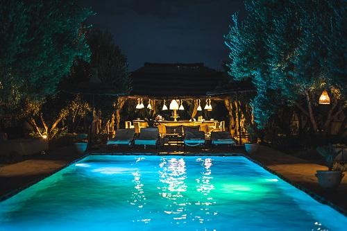 bâche à barre de piscine